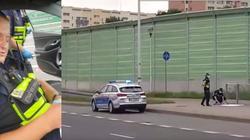 W Warszawie straż miejska zrywa plakaty Andrzeja Dudy [WIDEO] - miniaturka