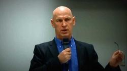 Leszek Żebrowski dla Frondy: Wentyl bezpieczeństwa komuny puszcza oko - miniaturka