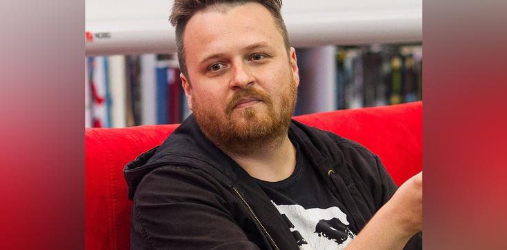 Lewicowy dziennikarz kpi z burzy na Giewoncie. ,,Pielgrzymka na Giewont w burzę z politykami PiS. Wszyscy za ręce'' - zdjęcie