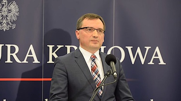 ETPC atakuje Polskę. Minister Ziobro kieruje wniosek do TK - miniaturka