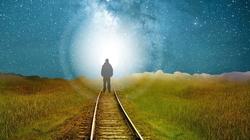 Jak wygląda istnienie człowieka po śmierci? Czyli o nieśmiertelności duszy ludzkiej  - miniaturka