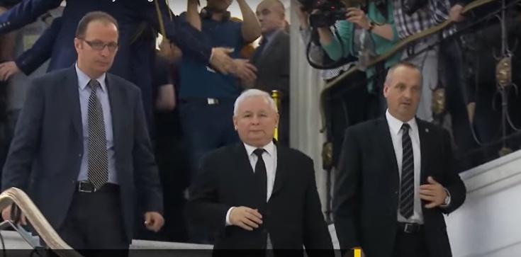 Jarosław Kaczyński w kamizelce kuloodpornej? Jest odpowiedź rzecznika PiS - zdjęcie