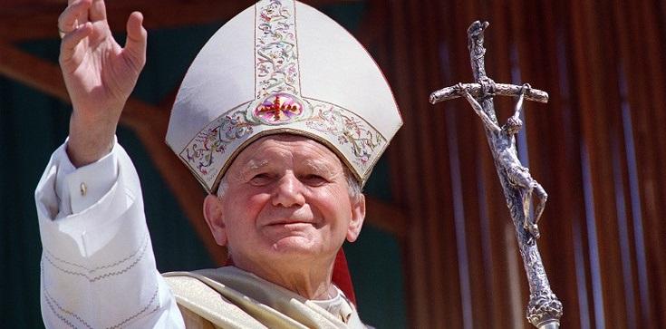 Działacze Solidarności też bronią pamięci o św. Janie Pawle II - zdjęcie