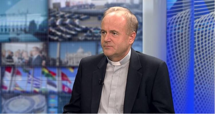 Ks. prof. A. Kobyliński: Nowa ustawa bioetyczna we Francji mrozi krew w żyłach  - miniaturka