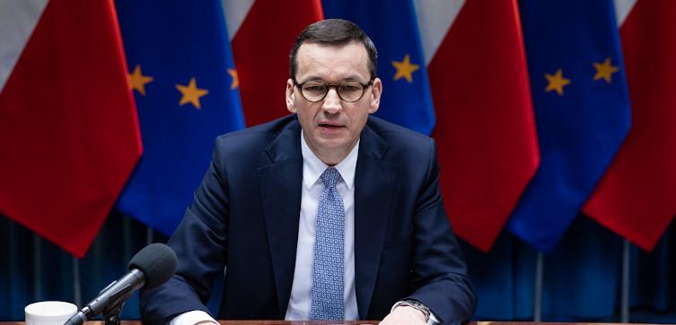 Kuźmiuk: Niesłychanie skuteczna pomoc rządu w walce z koronakryzysem. Polska szybko odrobi straty - miniaturka