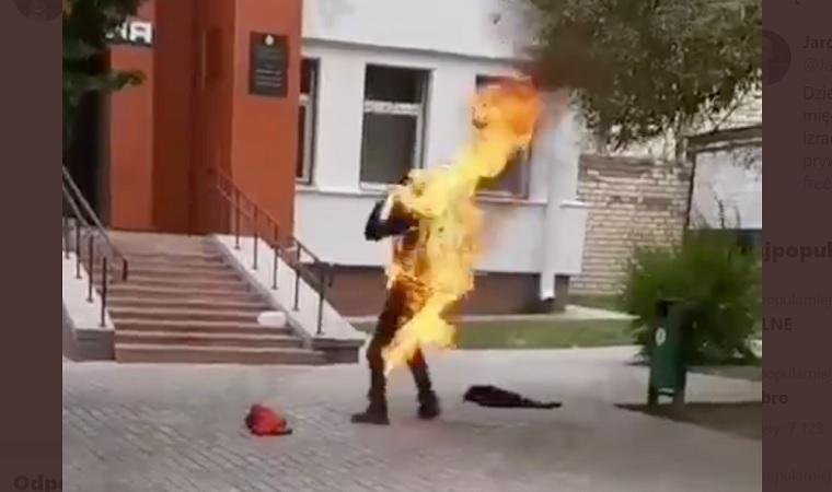 Białoruś. Samopodpalenie mężczyzny jako protest przeciwko brutalności władz - miniaturka
