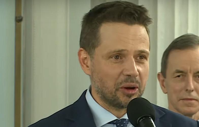 Trzaskowski skończył urlop i wrócił do pracy. Zaczął od atakowania rządu za… ,,umywanie rąk''  - miniaturka