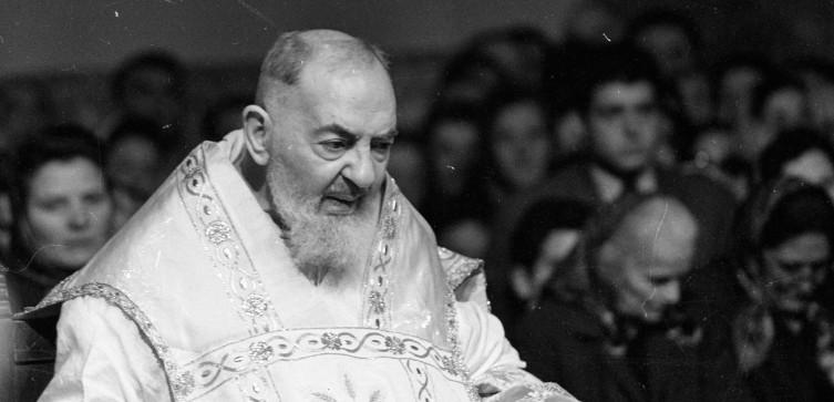 Cud ojca Pio! Jak zakonnik odprawiał Msze św. w komunistycznym więzieniu? - miniaturka