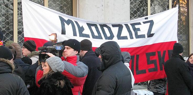 Semka: Sięgnięcie po  bojówki było przywleczeniem do Polski niemieckiej choroby - zdjęcie
