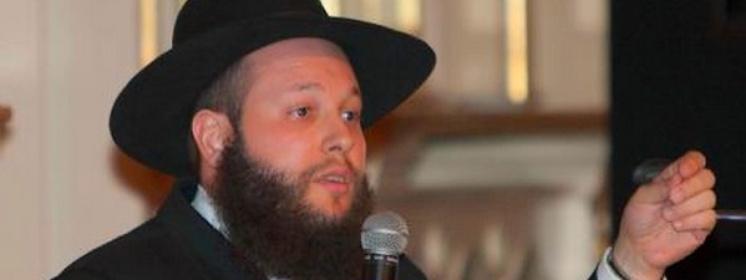 Spotyka się z ortodoksyjnym Żydem